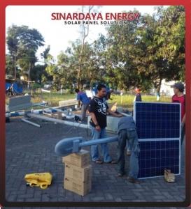 paket lampu PJU solarcell 100 watt satu set