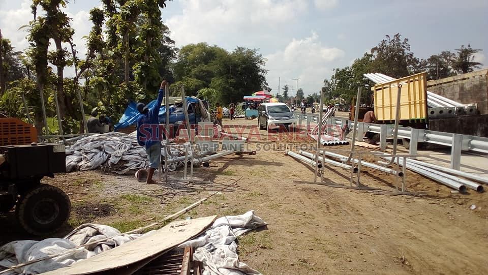 Contoh Tiang PJU Tenaga Surya