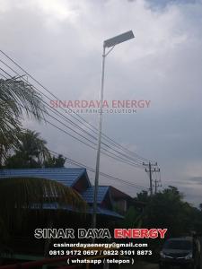 beli lampu pjuts tenaga surya all in one