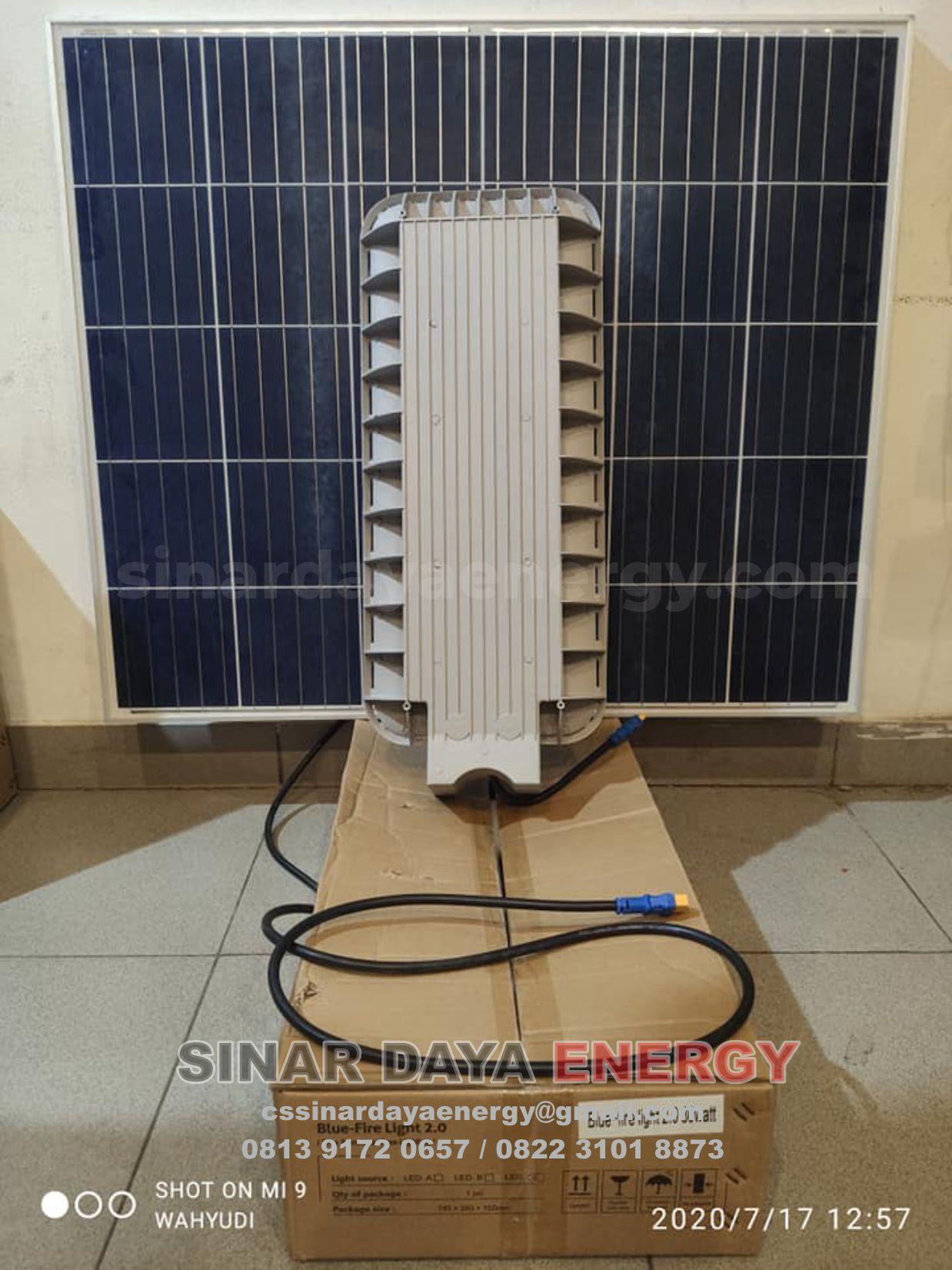 lampu pju tenaga surya 2 in 1