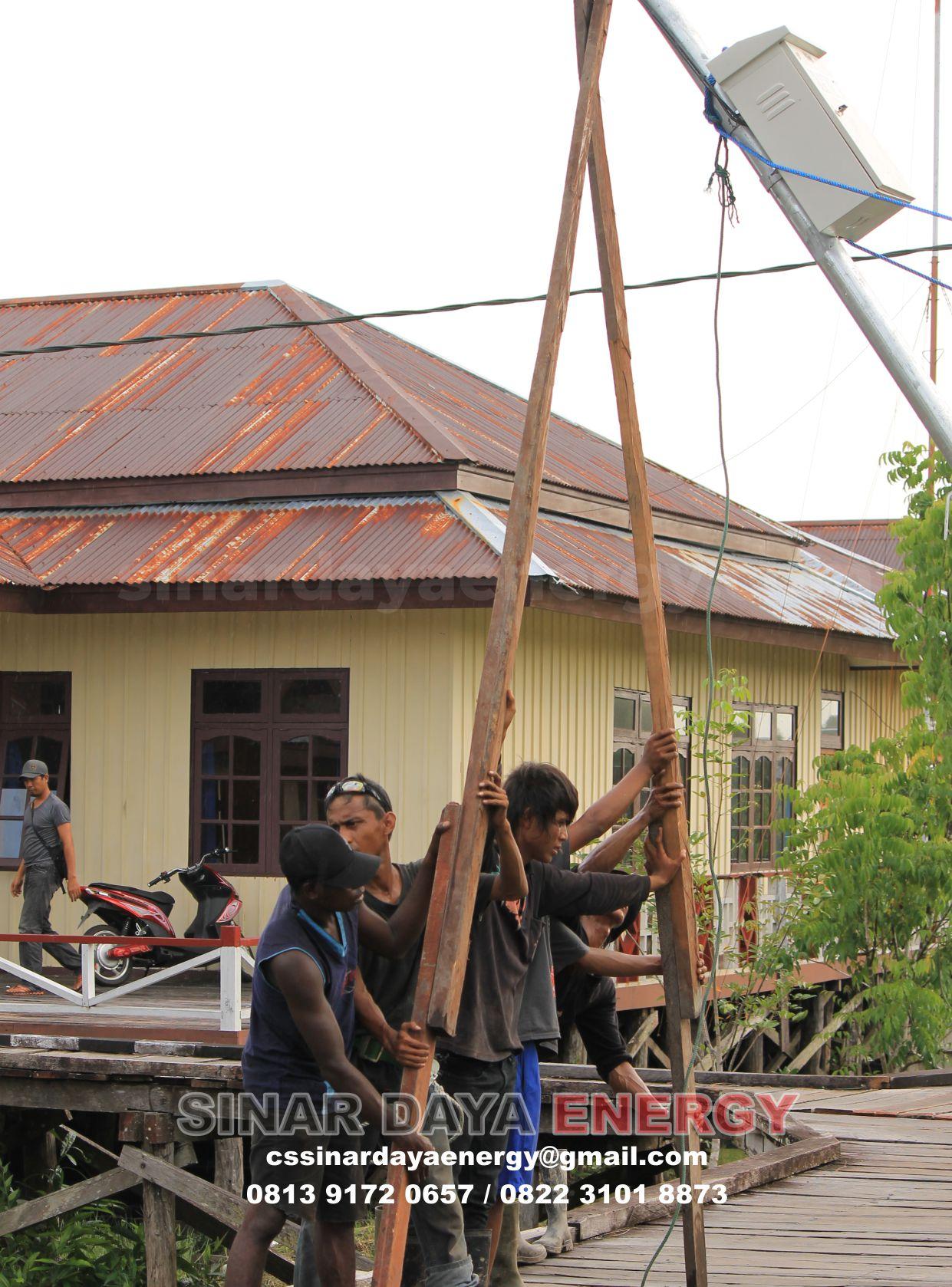 Lampu Jalan Solarcell Tenaga Surya Manokwari