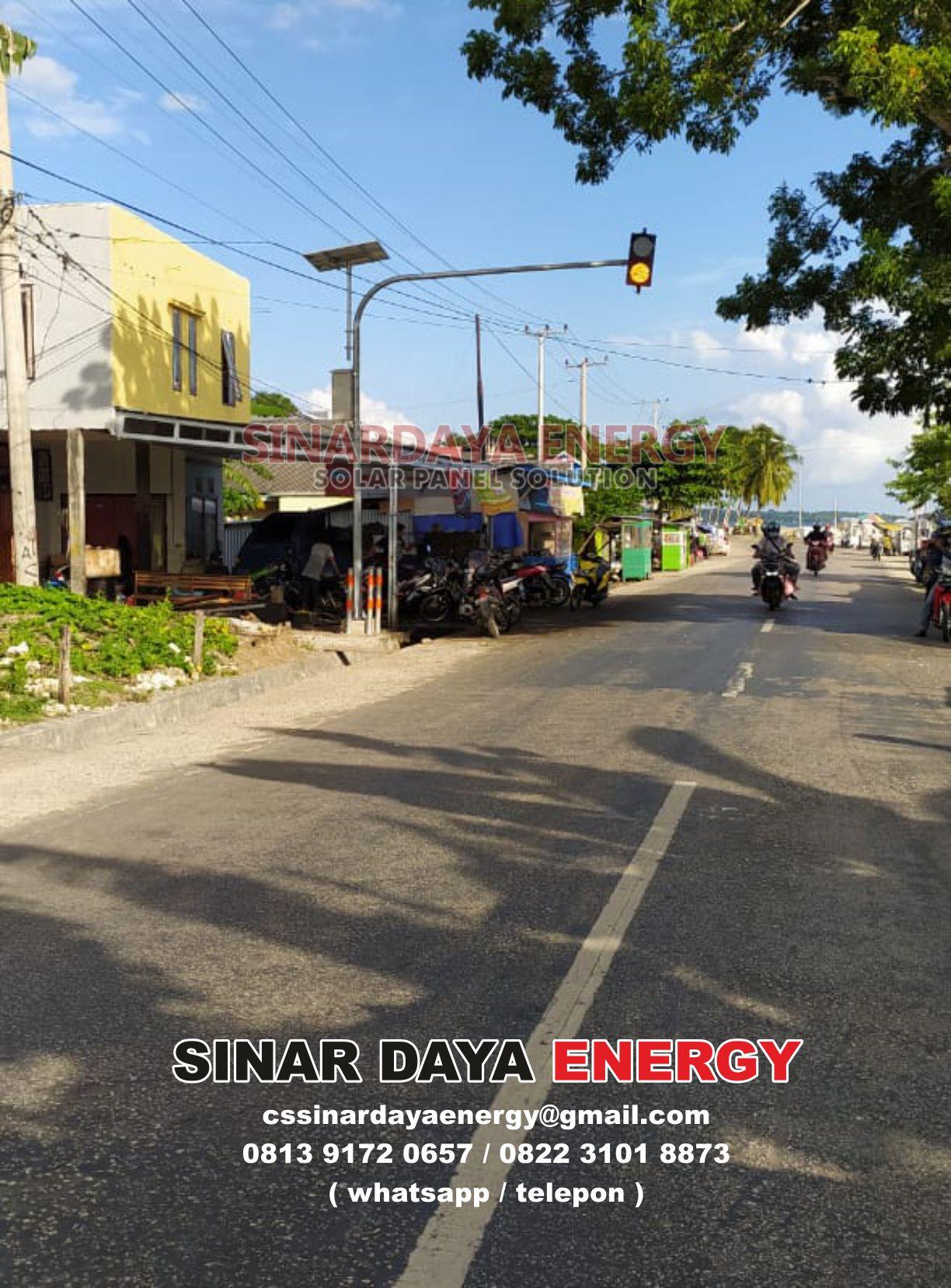 trafic light tenaga surya
