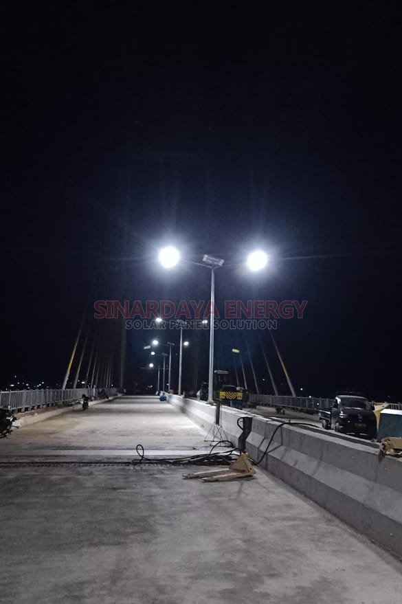 Lampu PJU Solarcell 2in1 KENDARI