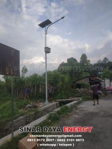 paket lampu jalan pju solarcell makassar