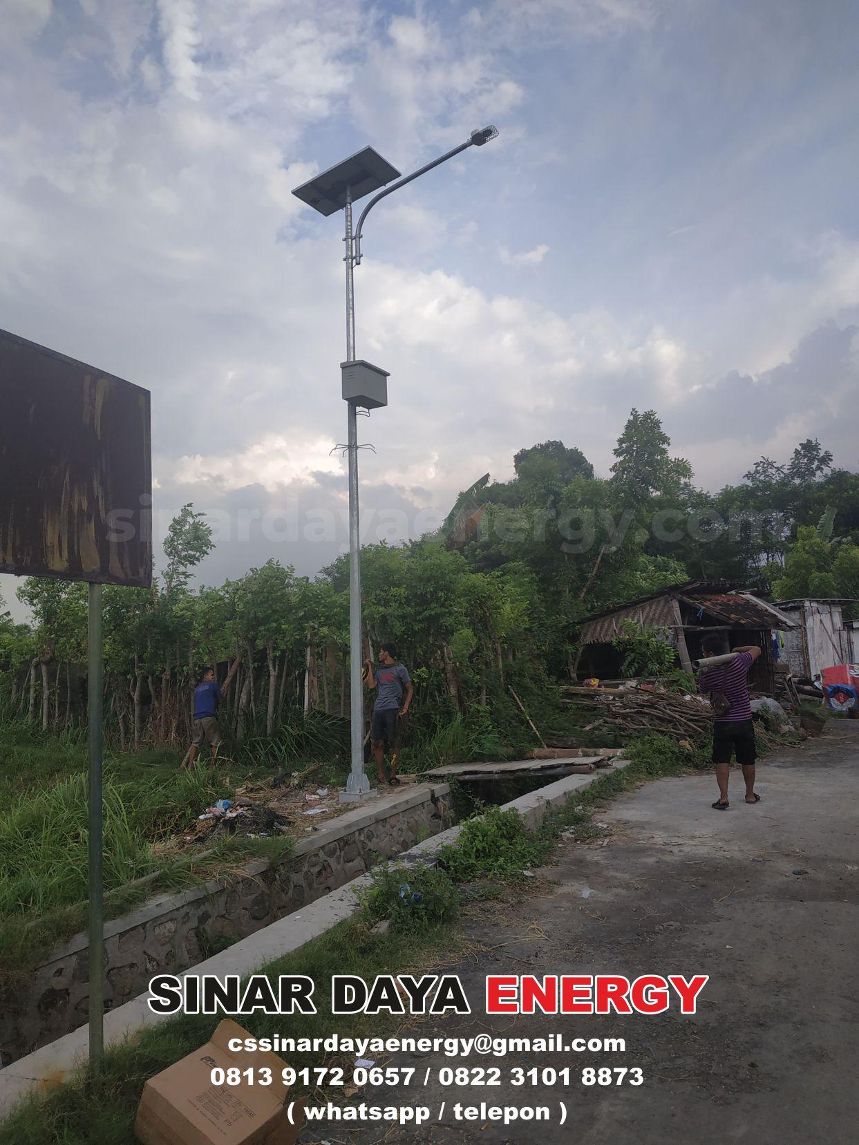 paket lampu jalan pju solarcell ntt