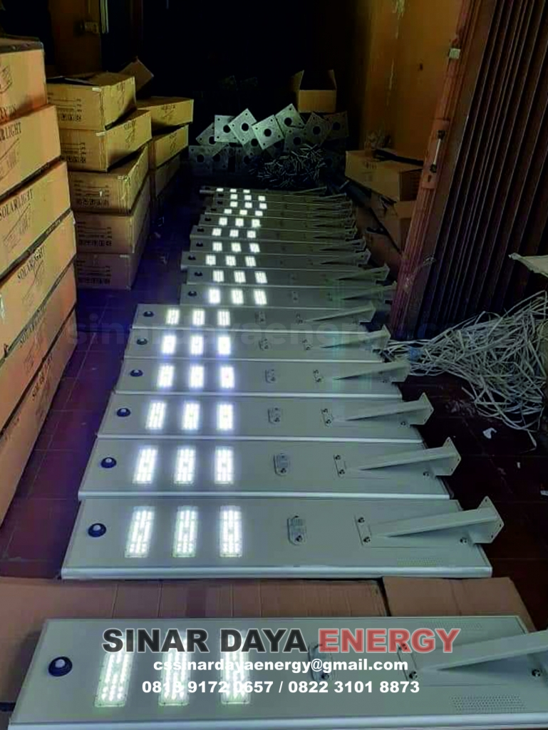 paket lampu jalan solarcell all in one
